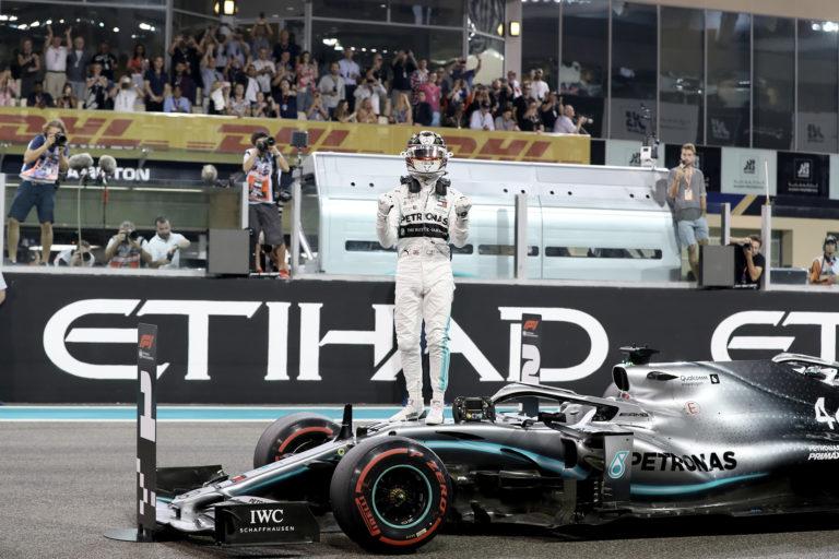 Formula 1, Emirati Arabi: Hamilton chiude in trionfo, Verstappen e Leclerc sul podio
