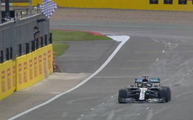 Formula 1, Inghilterra: Hamilton vince col brivido e mette le mani su tutti i record