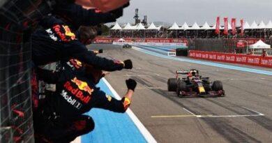 Formula 1, Francia: Verstappen beffa Hamilton nel finale e allunga in classifica